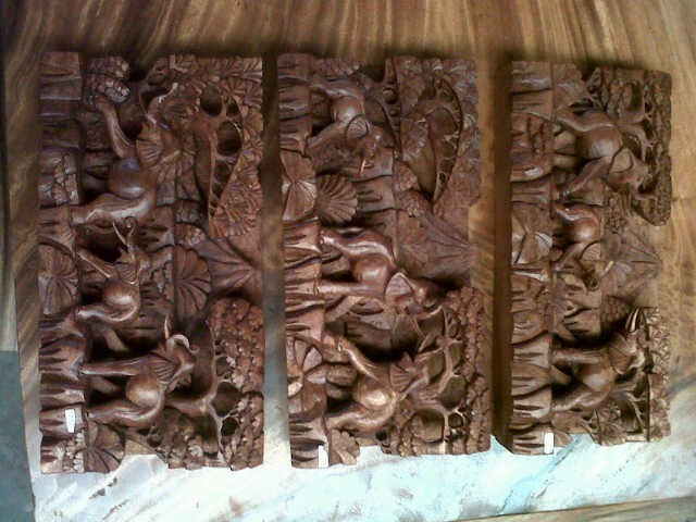 ALIN1W047 U$D 90~set( 1 set 3pcs) walls panel. mahogany wood.