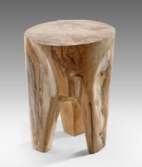ST06, size 50cm x 35cm. U$D 90, teak wood
