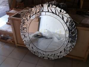 mirror R01, size 100cm x 100cm. U$D 250